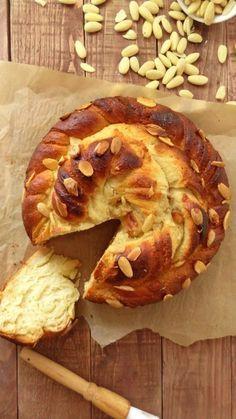 Almond and vanilla twisted bread wreath/coffee cake - recipe