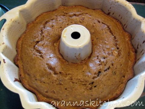 Applesauce Cake Recipe - This delicious applesauce cake recipe bakes up a wonderful coffee cake. Let's bake one and have some friends over for coffee, cake and camaraderie.