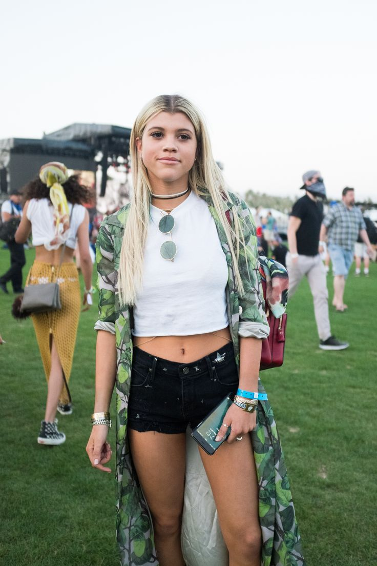 The Best Street Style From Coachella | :: FESTIVAL STYLIN ...