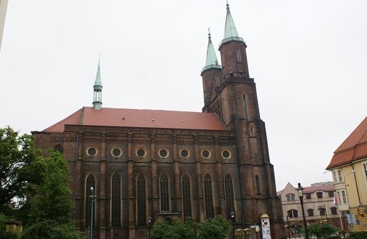Gotycki kościół ewangelicki NMP w Legnicy www.idodo.pl