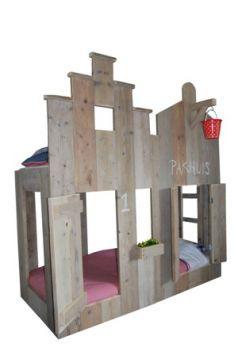 Op zoek naar een Stapelbed Pakhuis? Bij Saartje Prum vind je de leukste Stapelbed/Hoogslaper voor de kinderkamer.