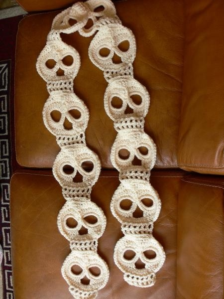 Day of Dead Crochet scarf. | Halloween | Pinterest