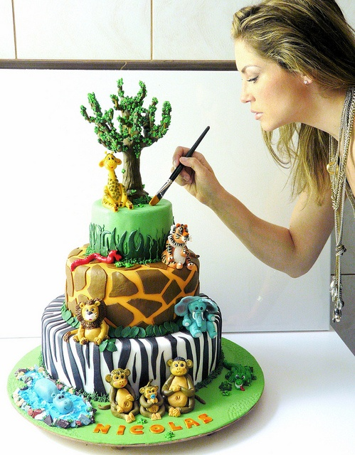 Jungle children's cake by My_Edible_Art {The Cake Shop by Mila Fontana}, via Flickr