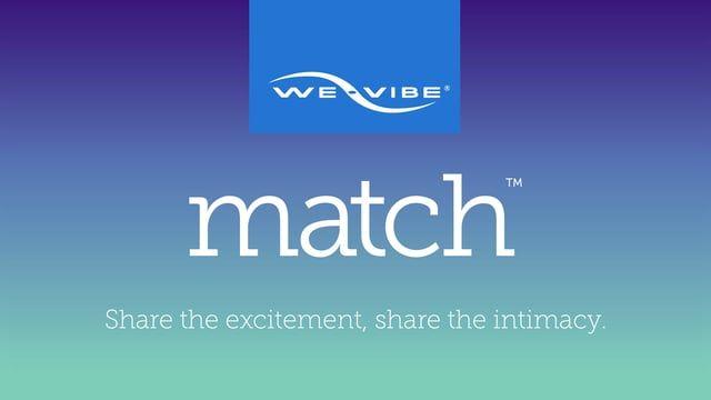 Match se place confortablement entre vous et votre partenaire et reste en place pendant que vous vous déplacez, de sorte que vos mains sont libres d'explorer d'autres zones érogènes. Le match est imperméable, ce qui le rend facile à utiliser partout comme le bain ou la douche et est facile à nettoyer.    Offert sur notre boutique en ligne ;http://lacleduplaisir.com/shop/fr/vibrateur-we-vibe/7346-vibrateur-we-vibe-match-bleu-pour-couple.html