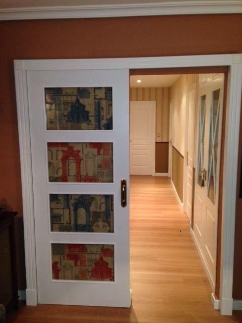 Pasillo totalmente reformado colocaci n de papel pintado - Puertas de interior con cristales ...
