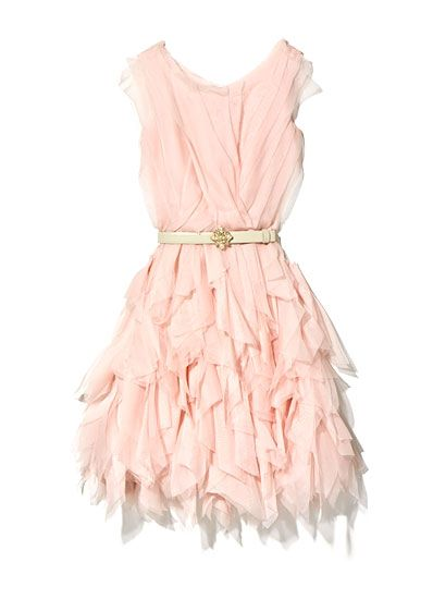 So pink, so girlie. I could never pull it off, but this is so cute!