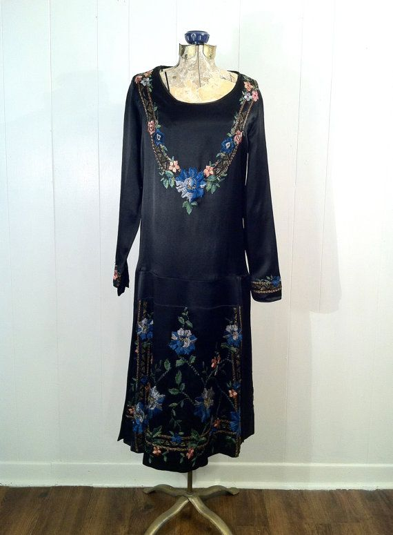 1920s Vintage Black Satin Flapper Dress