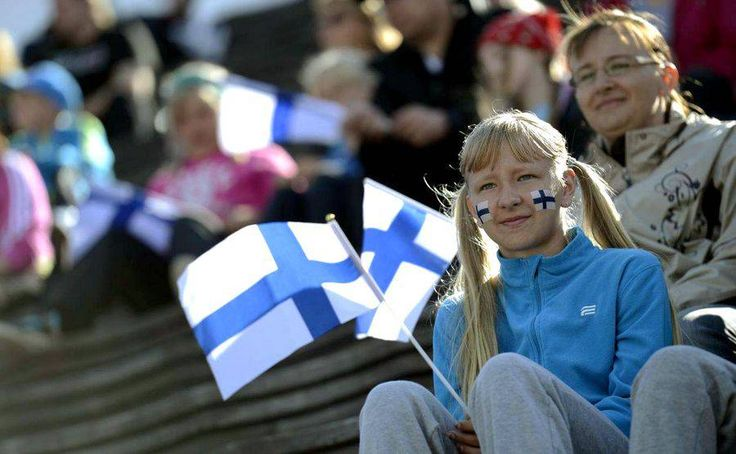 La Finlande envisage très sérieusement de verser à chaque citoyen adulte un…