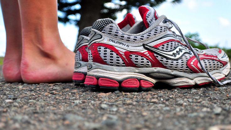 #Hardlopen wordt omschreven als een laagdrempelige sport. Tuurlijk, je kan het overal doen en hebt er in principe alleen een paar hardloopschoenen voor nodig. Toch ben ik van mening dat je een bepaalde mate van sturing nodig hebt, de kans op een blessure is best aanwezig.   Nu op RH: 5 tips om de ellende die hardloopblessures heet te voorkomen.  http://www.runners-high.nl/vijf-tips-om-blessurevrij-te-blijven/