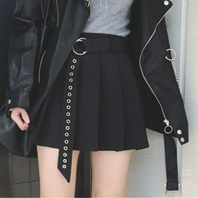 Pleated Skirt with O-ring Belt