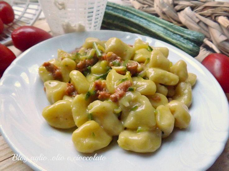 Gnocchi di Ricotta con Zucchine e Salsiccia http://blog.giallozafferano.it/rocococo/gnocchi-di-ricotta-con-zucchine-e-salsiccia/#