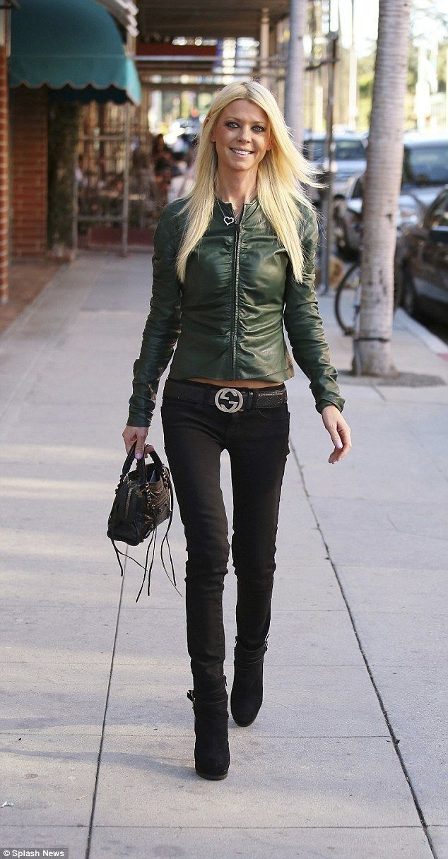Tara Reid shows off stick thin figure in jeans and leather jacket - Celebrity Fashion Trends