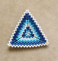 How to Make a Peyote Stitch Triangle - Blogs from Beading Daily. These work up really fast and are fun to make!