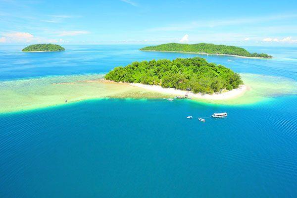 The Marine Park is a cluster of islands; Pulau Gaya, Pulau Sapi, Pulau Manukan, Pulau Mamutik and Pulau Sulug. Pulau Gaya hosts the Gayana Eco Resort, Bunga Raya Resort and the Gaya Island resort by YTL.