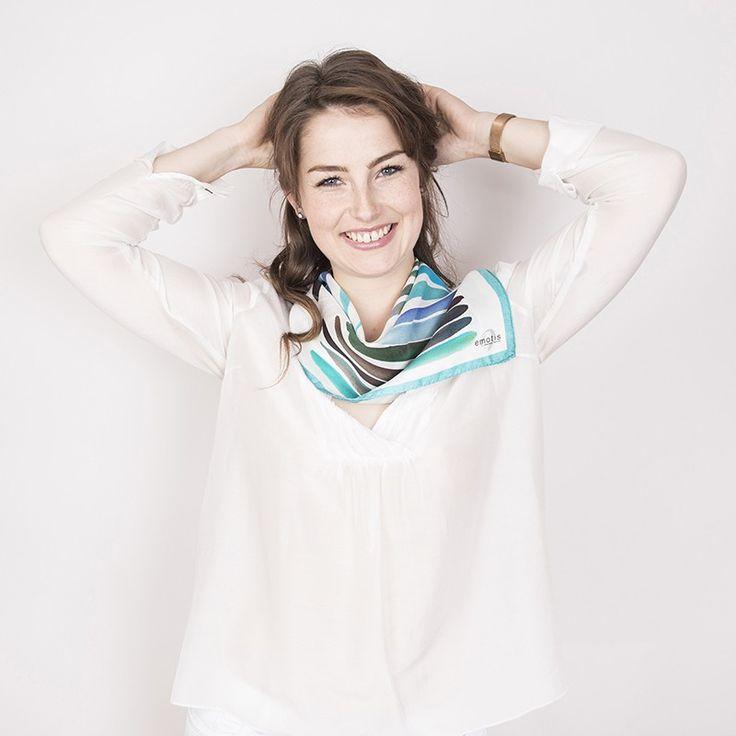 Carré Soie Color Touch#fashion#accessoire#femme#foulard#textile intelligent#fleurs de Bach#scarf#bach flowers#emotis