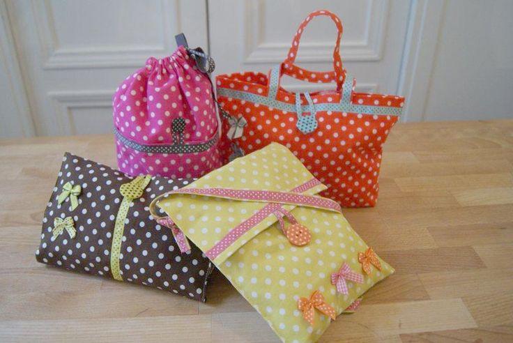 sac, cabas, trousse tissu à pois, couleurs. Fiches patron Récréatys  marque Récréatys
