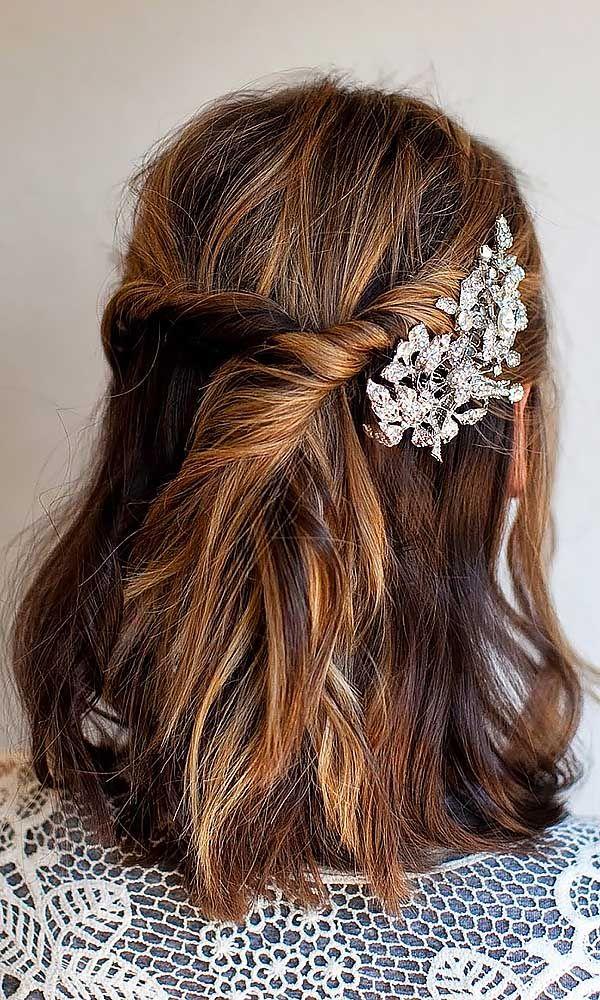short wedding hairstyle 29