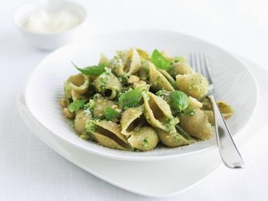 Volkorenpasta met broccolipesto (Libelle Lekker!)