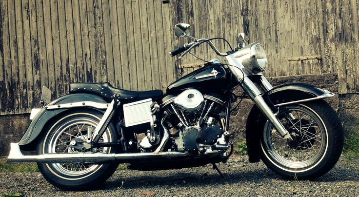 Lester's Panhead - mismatched everything '62 Duo Glide