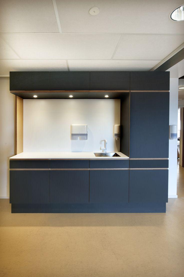Club Grønnemose – MAA Jan René Rasmussen – Ejendomscenteret Gladsaxe Kommune - aktivitetsklub – køkken - #overflade – #Desktop  – #Furniture Linoleum – #Forbo – #interior – #interiordesign