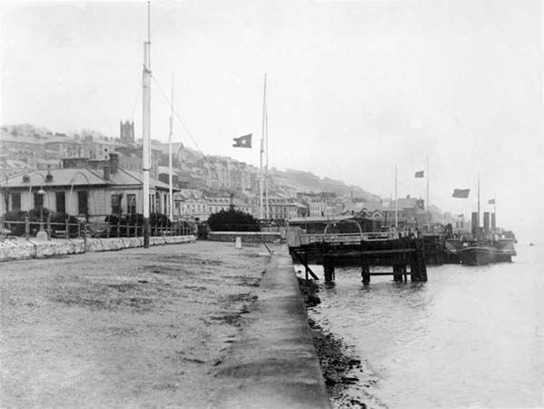 Photo: Cobh(Queenstown) in mourning with flags at half staff outside both the Cunard and White Star offices. 19th April 1912