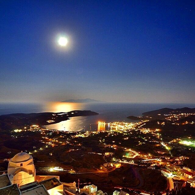 Magical Full Moon , at Serifos island (Σέριφος) . Can't stop looking at !