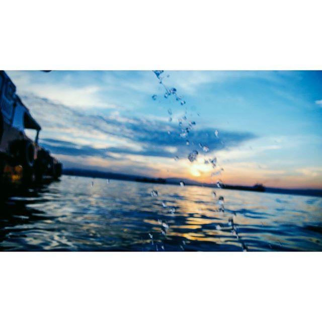 【zanedesu】さんのInstagramをピンしています。 《#空 #海 #日の出 #sunrise #ダバオ #philippines #sky #sea #フィリピン》