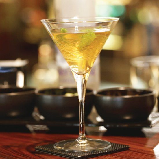 Infuse smooth vodka and extra-dry martini with the smokiness of Lapsang Souchong Tea for a modern cocktail classic.