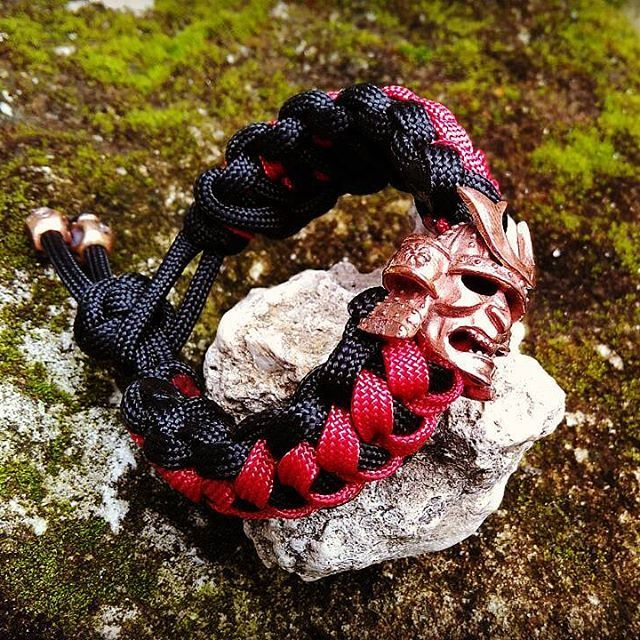 Wohoo this Samurai bracelet goes to Hong Kong 🙏👑😎🙌🎄 #edc#самурай#катана#япония#браслет#ручнаяработа#украшение#мужскойбраслет#ниндзя#бусидо#воин#beadsbracelet#дракон#paracordprojects#skull#badassring#luxuryonyourwrist#paracordbracelet#skullbracelet#metalwerks#skullring#badassjewelry#beadsbracelet#tacticalgear#wristgear#badassring#bikerring#craftmanship#everydaycarry#パラコード#パラコードブレスレット#メリークリスマス#