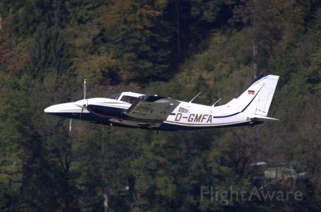 FlightAware ✈ Photo of Piper Seneca (D-GMFA)