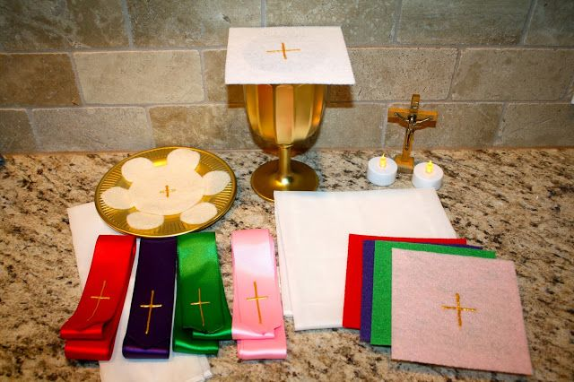 How to Make an Inexpensive, Homemade Mass Kit for your Kids ~ Catholic Missionary Family