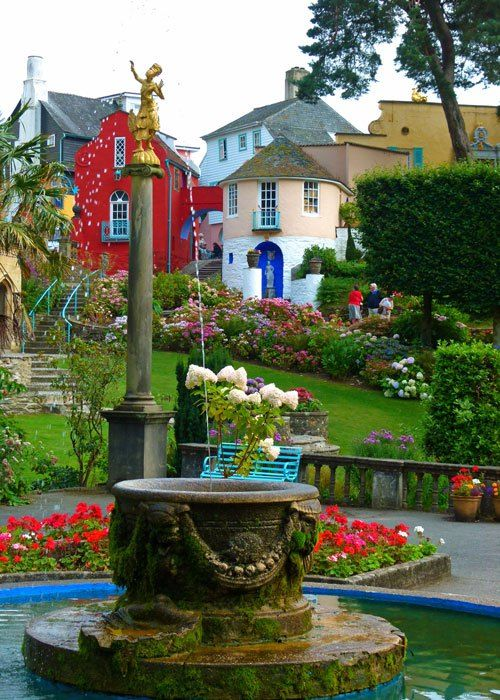 Portmeirion - fountain in the Piazza, Wales