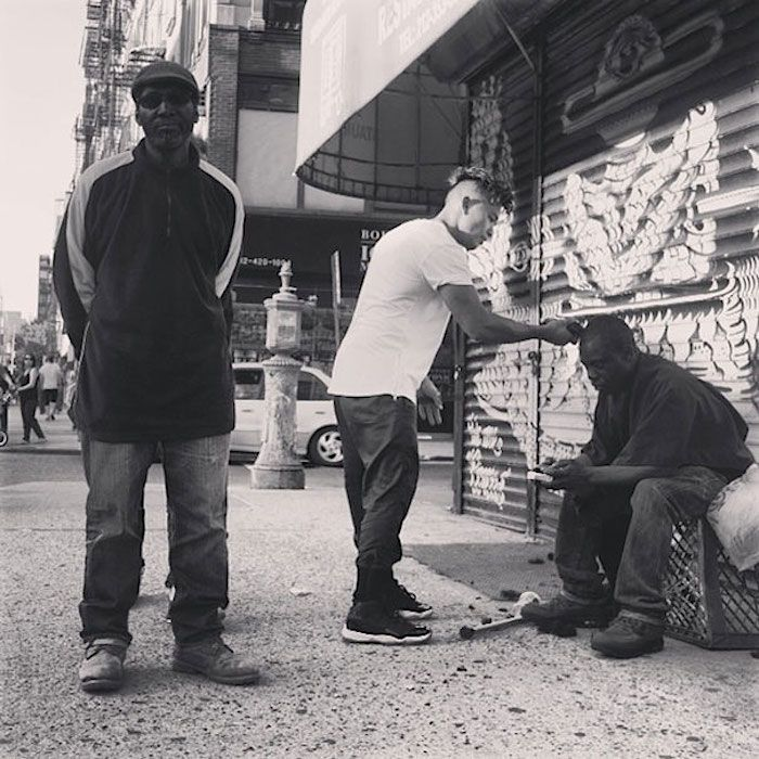 Hair Stylist gives free Haircuts to the Homeless every Sunday in New York - http://designyoutrust.com/2014/08/hair-stylist-gives-free-haircuts-to-the-homeless-every-sunday-in-new-york/