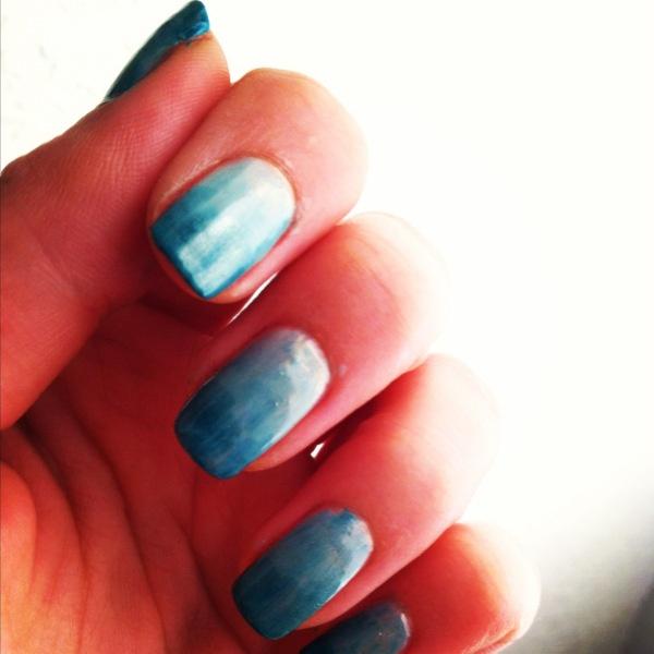 ocean ombre nails ..tutorial dragonnfruit.com