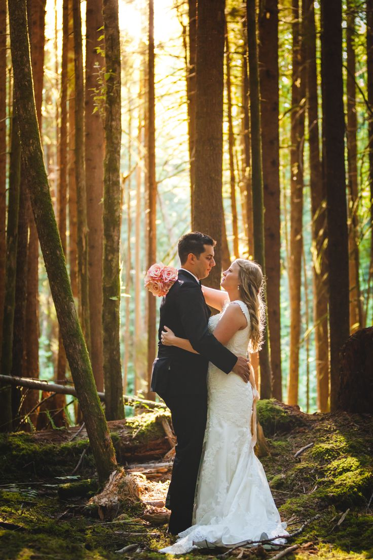 Summer wedding. Bride and groom. Squamish wedding. British Columbia forest.