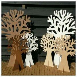 Wensboom bruiloft / verjaardag / jubileum / geboorte / babyshower / begrafenis / crematie / kapstok / etc. Groot, gemaakt van 12mm wit mdf. Kopse kanten houtkleur, dit geeft een bijzonder mooi en natuurlijk effect! H=122cm, B=67cm. Origineel als wensboom voor een bruiloft of geboorte met je gelukwensen op wenskaartjes! De wensbomen zijn er in 73, 122 en 185 cm hoog. Diverse wenskaartjes verkrijgbaar in setjes van 25 stuks. Leuk met seizoenartikelen zoals Pasen, kerst en Sinterklaas!
