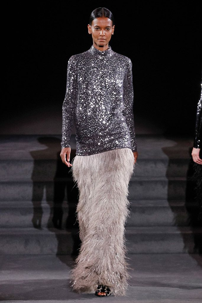 Tom Ford sequins and feather skirt  falda de plumas top lentejuelas love it!