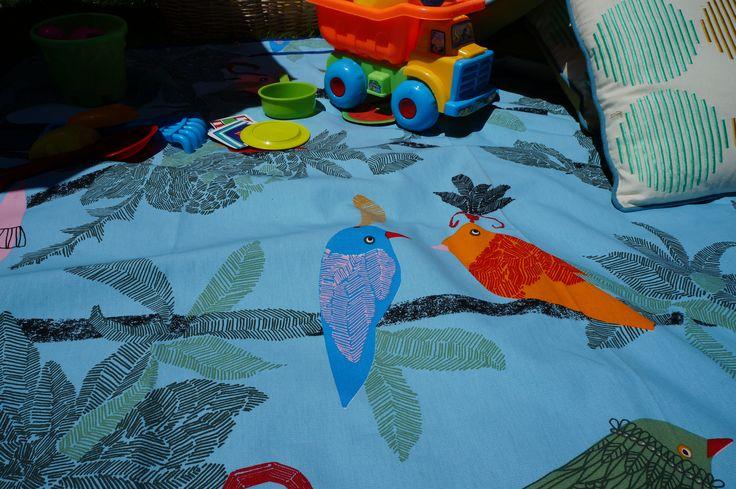 Lo mejor del verano! Mantas impermeables para disfrutar en la playa, parques, campo...  www.chalupa.cl