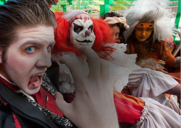 Halloween Events Calendar 2015: 63 Days of Halloween Happenings http://www.chicagonow.com/show-me-chicago/2015/09/halloween-events-calendar-2015-63-days-of-halloween-happenings/