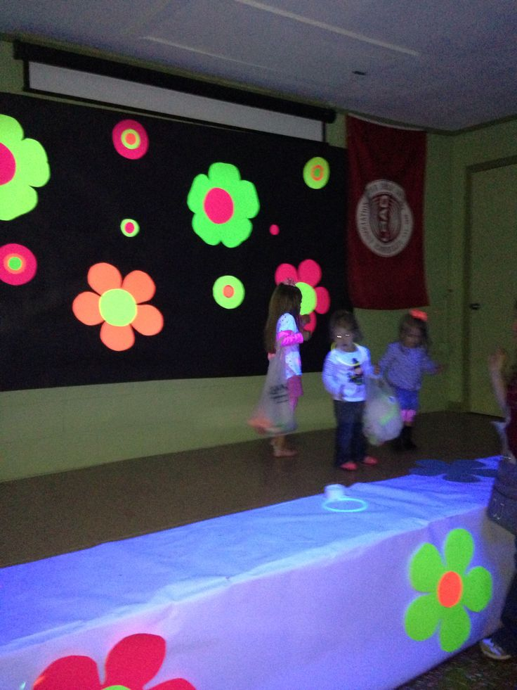 Glow Party Wall Deco Made From Poster Boards Really