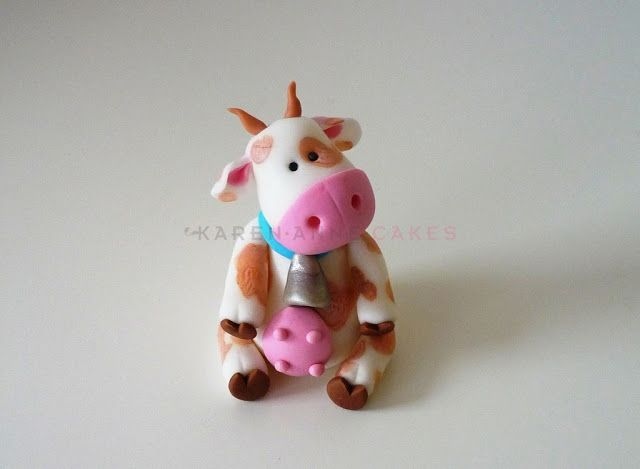 How to make a cow for your farmer cake
