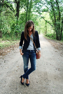 A cocktail in her hand and confetti in her hair.: Fashion, Style, Clothes, Outfit, Blazer Jeans, Blazers, Blazer Season, Fall Winter