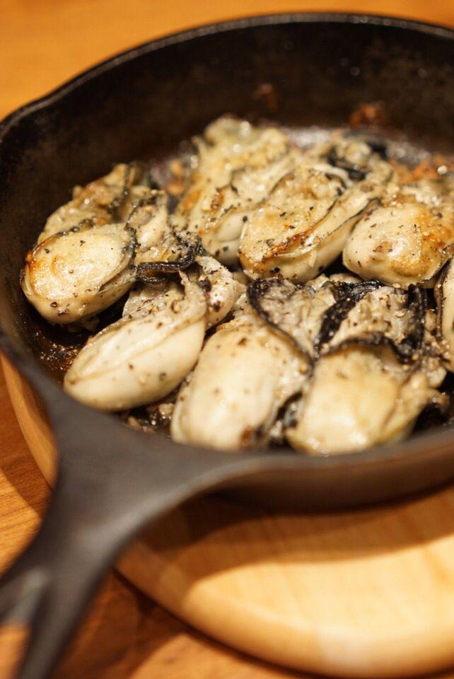 牡蠣をスキレットで焼いただけ〜w