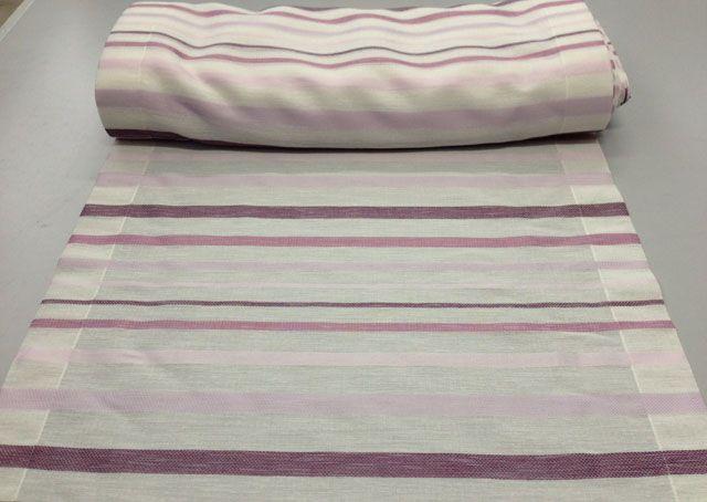 Disponibile nelle misure: Larghezza 45 cm, 60 cm e 80 cm a partire da 13.50euro al metro.  #Tendino a #vetro misto poliestere. Colore base bianco con righe di varie tonalità di viola e rosa.