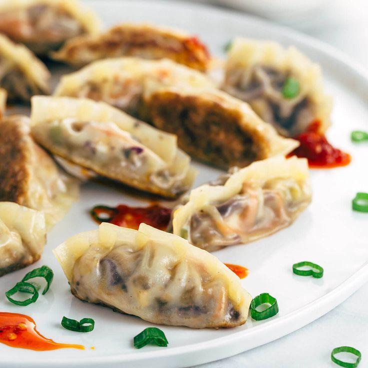 Pan Fried Crispy Vegetable Tofu Dumplings via @foodiegavin