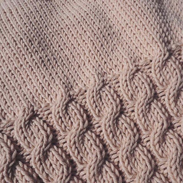 Vi har flere opskrifter på vej 💕 #strikkeopskrift #strik #strikket #cableknit #knit #knitting #new #pattern #økologisk #garn #bcgarn #selba #organic #yarn #ecofriendly #ecoknittingdk #igers #tagsforlikes #vsco #vscocam #vscogood