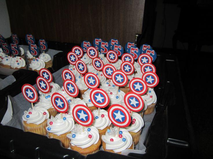Captain America Avengers Mini Cupcakes / Capitan America Los Vengadores Mini Cupakes/ Creaciones Reina Sofia Ciudad Ojeda Zulia Venezuela