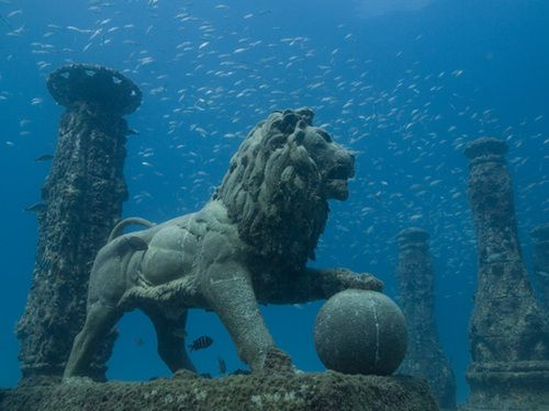 Cleopatra's underwater palace at Alexandria - buried by earthquakes and tsunamis
