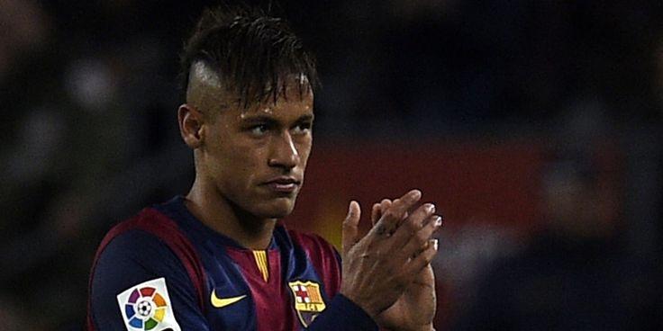 Neymar mampu bergabung bersama Manchester United dalam dua masa akan datang, menurut pakar sepakbola Amerika Latin, Tim Vickery.