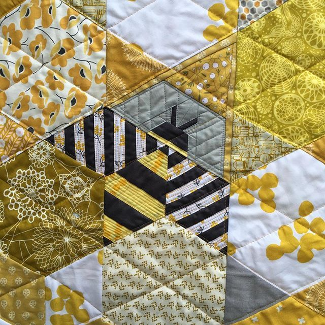 Kristi Owens bee. Thanks @wholecirclestudio for the inspiration. #ourbeetheoneandonly #bee #artwalkchallengequilt